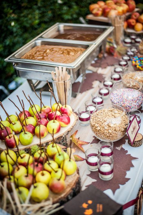 Treats for Your Autumn Wedding: Caramel Apple Bar