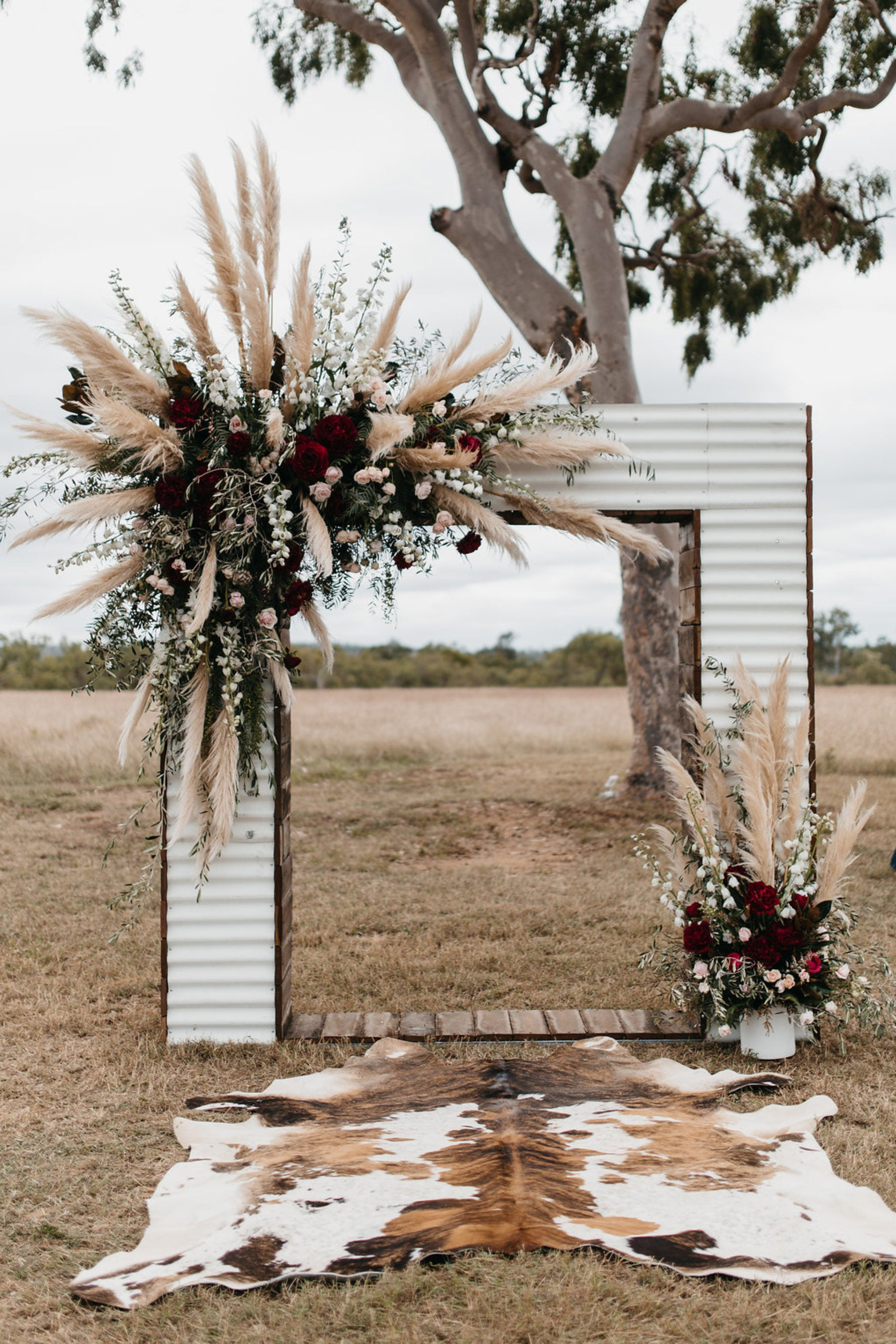 Pampas Arch Decor