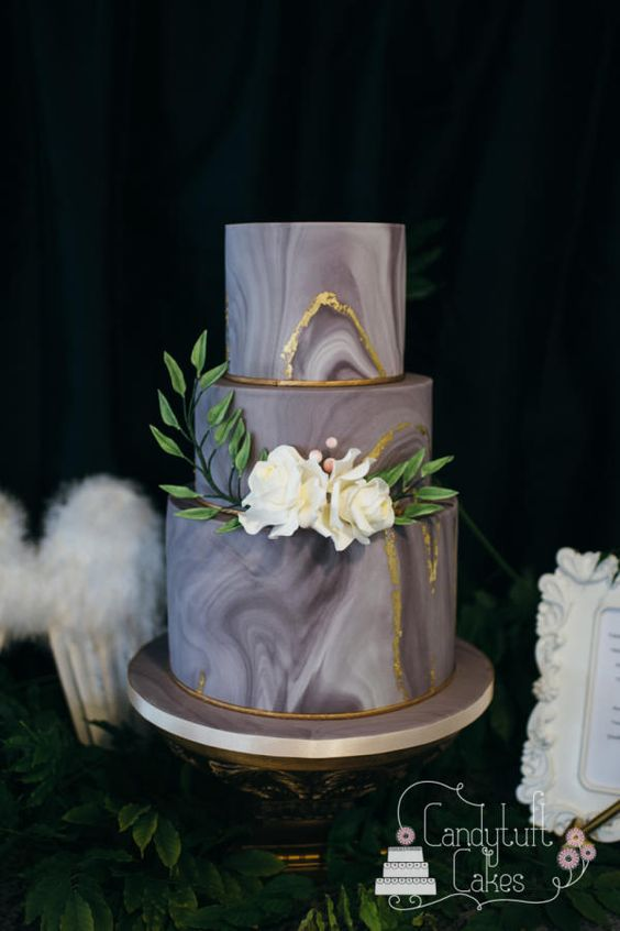 Marble Cake | 6 Unique and Dazzling Wedding Cakes | My Wedding Favors