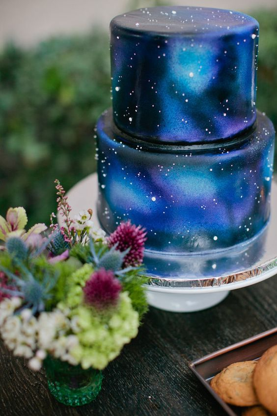Galaxy Cake | 6 Unique and Dazzling Wedding Cakes | My Wedding Favors