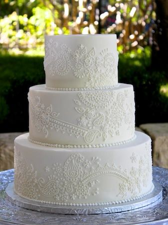 Lace Wedding Cake | Incorporating Lace Into Your Wedding | My Wedding Favors