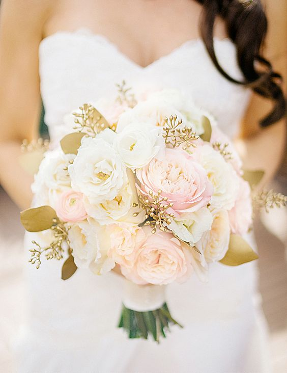 Rose Gold | 7 Summer Wedding Bouquets | My Wedding Favors