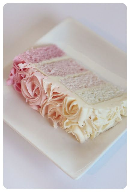 Shades of Pink Wedding Cake | Incorporating Pink Into Your Wedding | My Wedding Favors