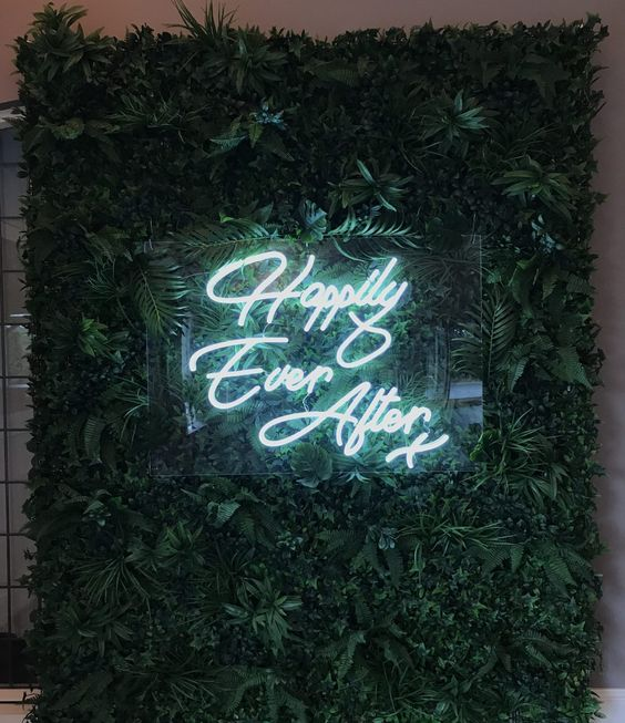 Neon Happily Ever After Sign | Top 2019 Wedding Trend: Neon Signs | My Wedding Favors