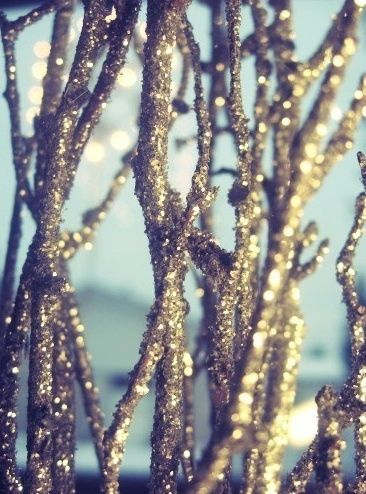 Winter Wedding: Sparkle Branches