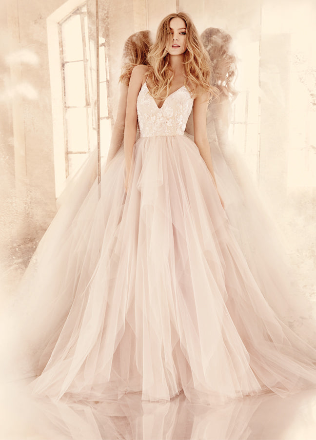 2016 Wedding Color Trend: Rose Quartz Wedding Dress