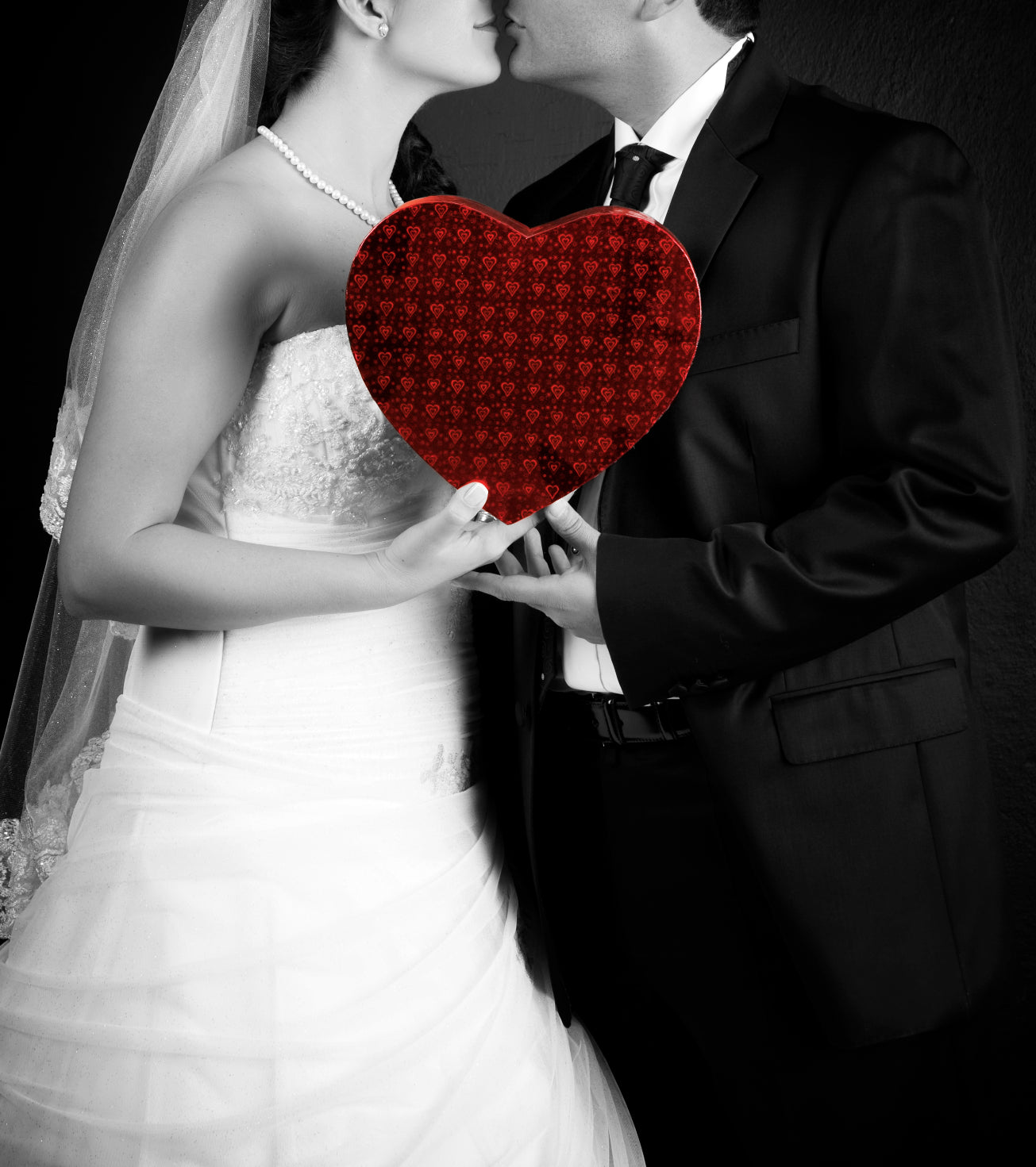 Should You Have Your Wedding On Valentine's Day? The Pros and Cons | @MyWeddingFavors | 101dalmations / iStockPhoto