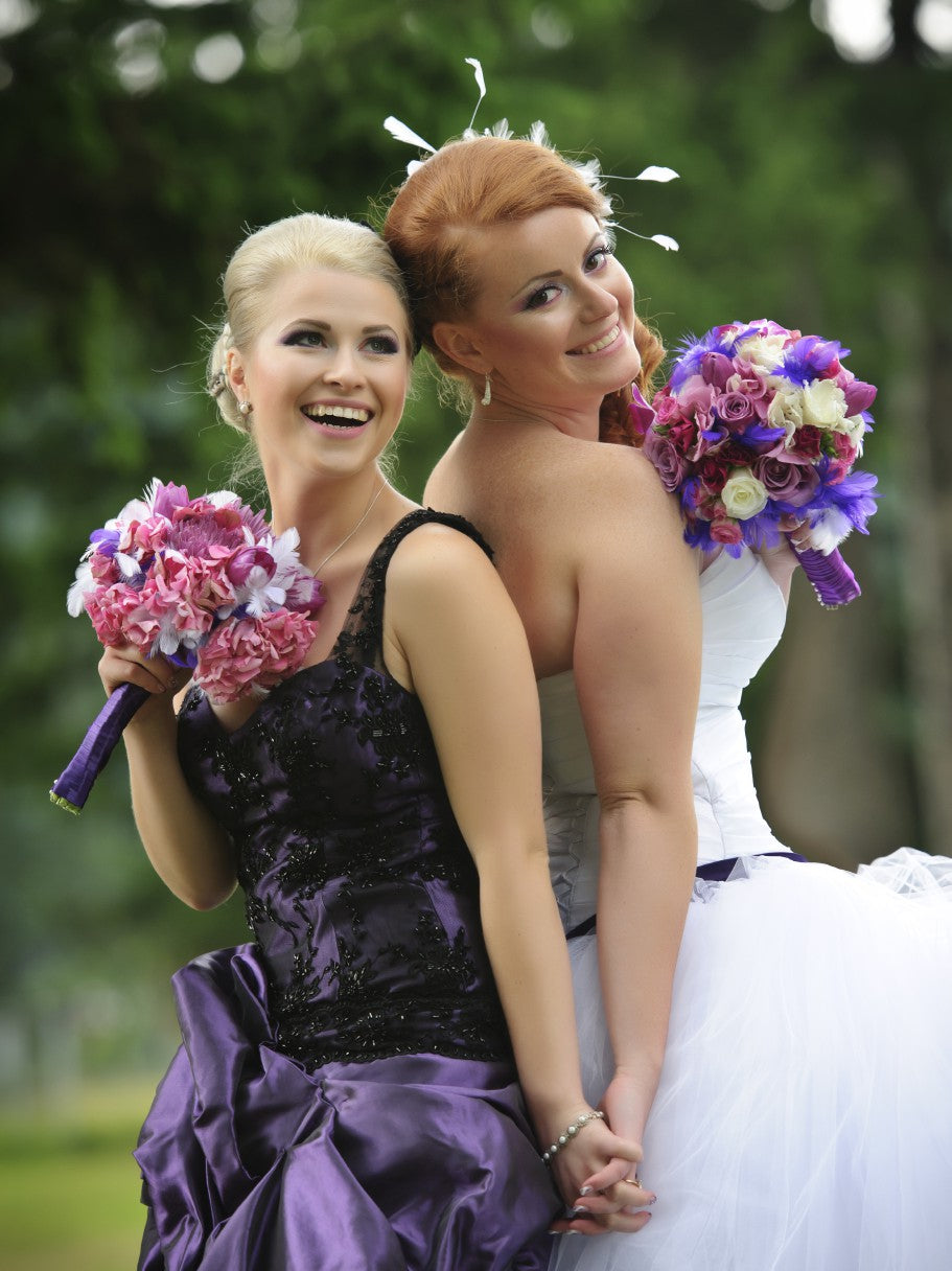 Bride with Maid of Honor | Dutiescoloroftime / iStockPhoto