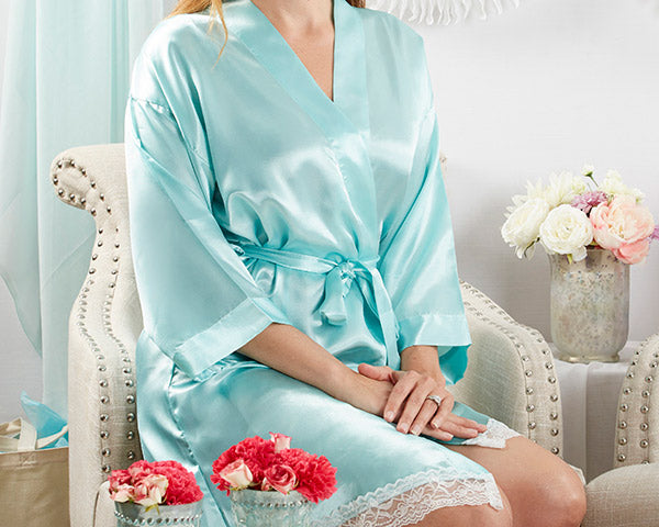 Lace Kimono Robe | 8 Great Gifts for Your I Do Crew | My Wedding Favors