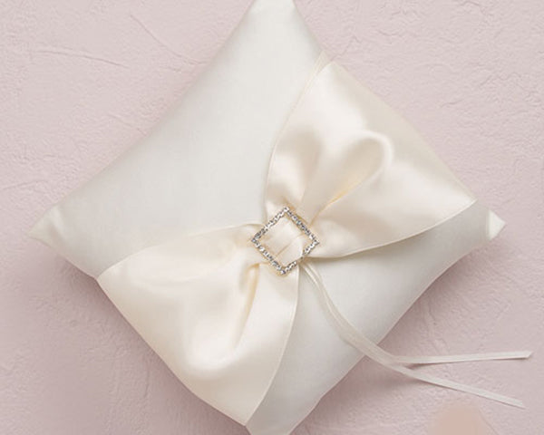 Duchess Ring Pillow in Ivory
