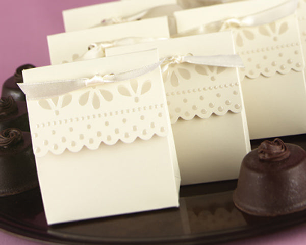 Ivory Scalloped-Edge Favor Boxes (Set of 25)