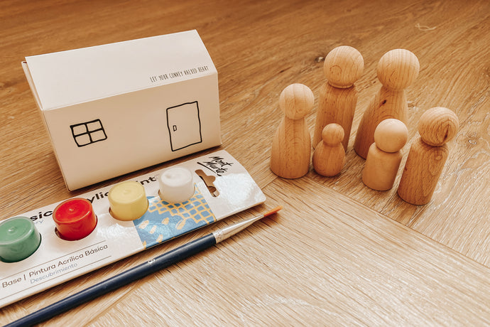 Mini House Family Peg Painting Kit