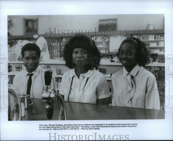 1989 Press Photo Phill Lewis and Whoopi Goldberg in My Past Is My Own. - Historic Images