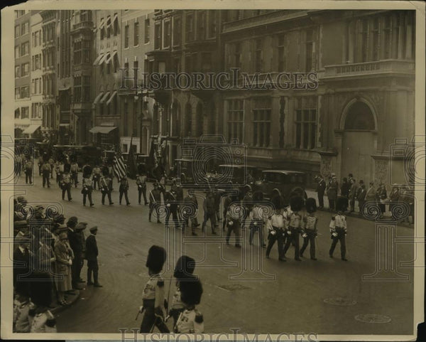 1926 Press Photo NEW YORK CENTENNIAL PARADE OF THE OLD GUARD OF NYC - neny23793 - Historic Images