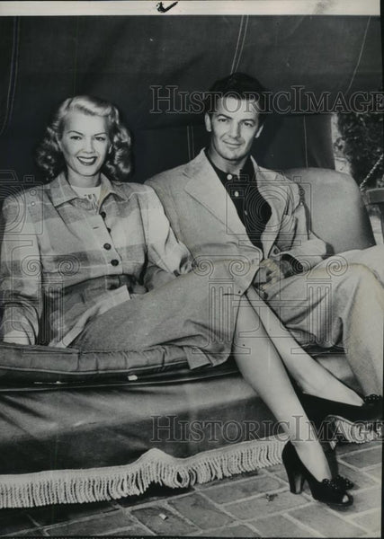 1947 Press Photo Cornell Wilde and wife, Patricia Knight, recently reconciled. - Historic Images
