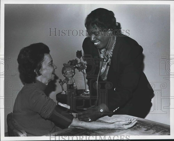 1992 Press Photo Lucy Reeves & Pauline Talley, Woodlawn Nurse, Alabama - Historic Images