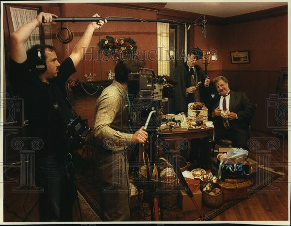 1993 Press Photo Dept. of Natural Resources films commercial in Madison mansion - Historic Images