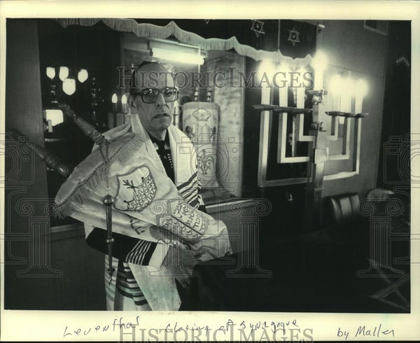 1986 Press Photo Arthur J. Levinson, Jewish spiritual leader in Stevens Pint - Historic Images