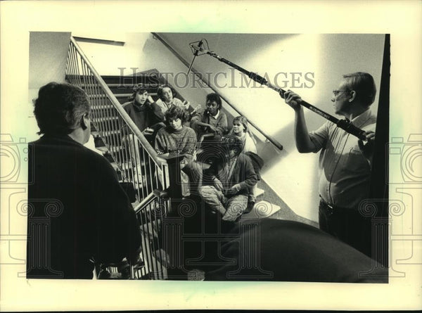 1987 Press Photo Milwaukee teens film alcohol public service, Whitefish Bay - Historic Images