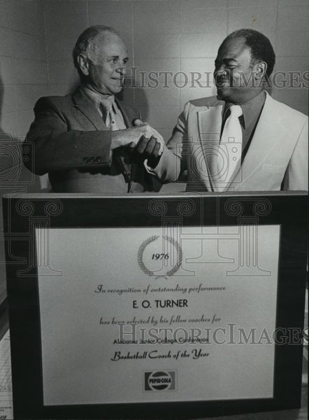 1976 Press Photo E. O. Turner, Lawson State, Junior College Coach of the Year - Historic Images