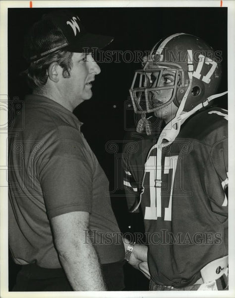 1980 Press Photo Roger Mims, Football Head Coach, with Player - abns07010 - Historic Images