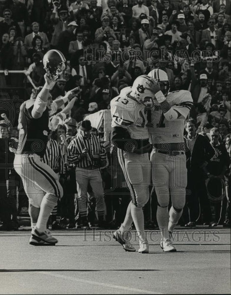 1984 Press Photo University of Alabama - Players McGinty, Mann and Wes Neighbors - Historic Images