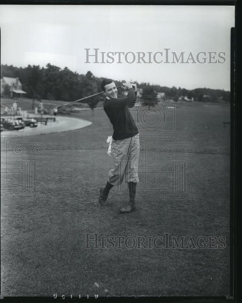 Press Photo Golfer Sam Perry swinging on Birmingham Alabama Country Club course - Historic Images