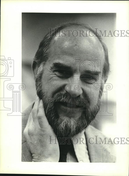 1981 Press Photo Tom Selby, director, Elmbrook Hospital Alcoholic Treatment - Historic Images