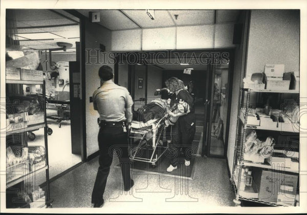 1988 Press Photo Emergency room medical personnel, Oklahoma Memorial Hospital - Historic Images