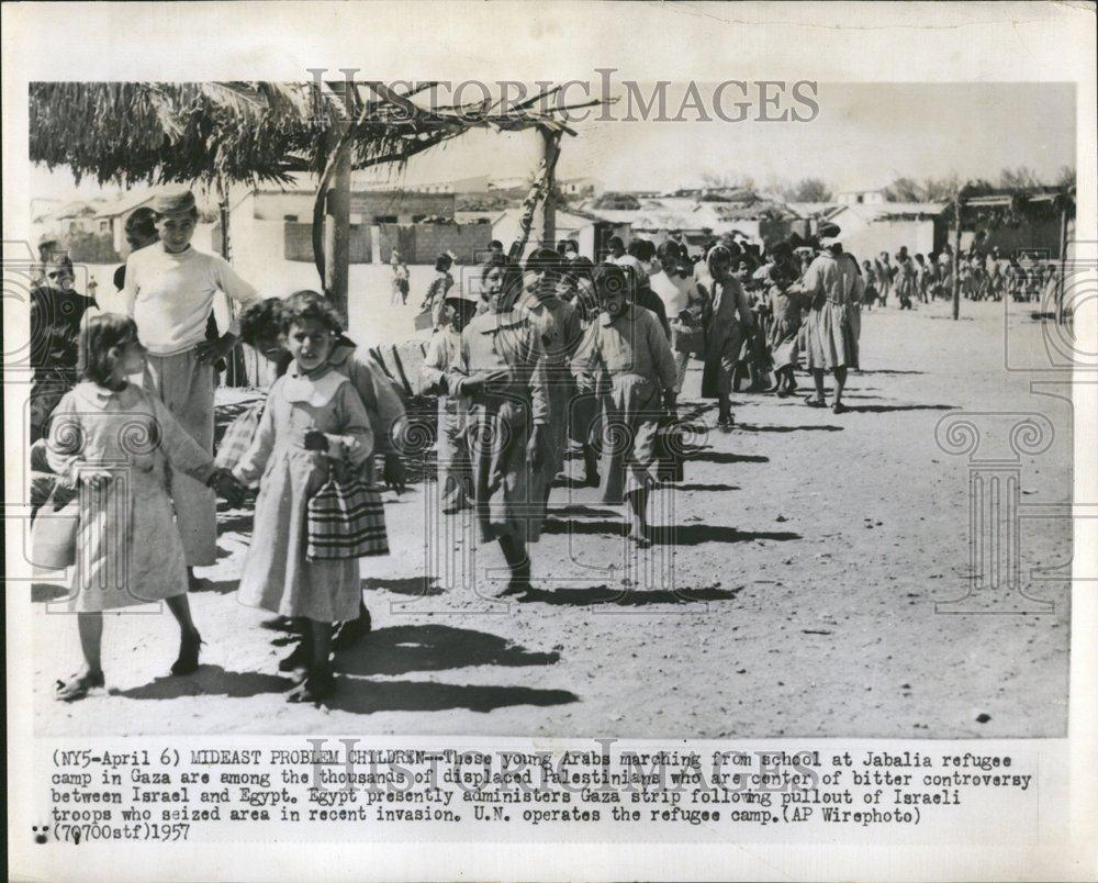 1957 Press Photo Arabia marching Jabalia refugee camp - RRV40835