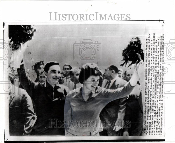 1963 Press Photo valentina teshkova bykovsky greeted - Historic Images