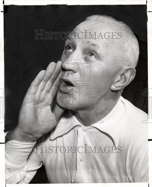 1951 Press Photo Art Tracy - Historic Images