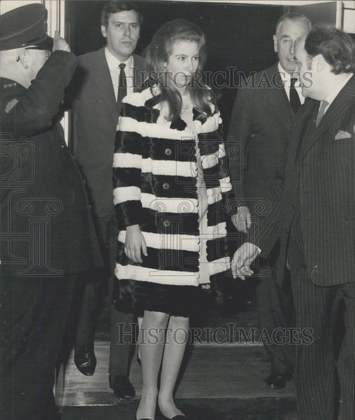 1969 Press Photo Prince Charles & Princess Anne At Noel Coward Lecture Audience - Historic Images