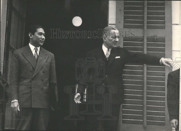 Press Photo French Politician Bidault & Vietnamese Foreign Minister Gnoc Dinh - Historic Images