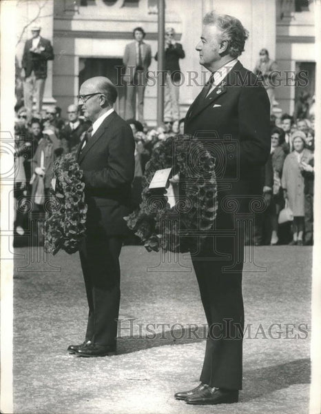 1973 Press Photo Terence Henderson Mccombs & Gough Whitlam,Australia PM - Historic Images