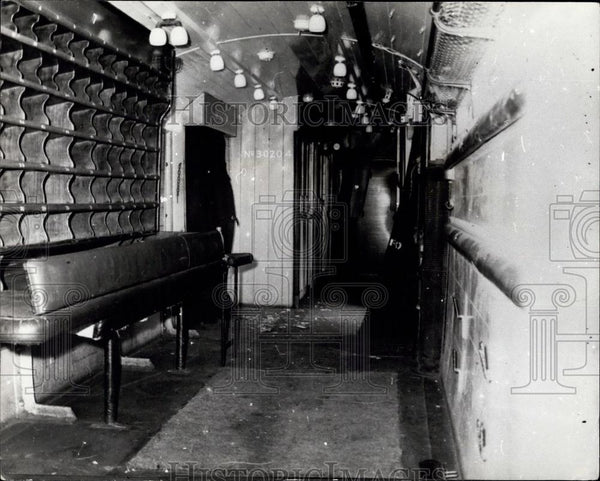 Press Photo Interior of robbed train car - Historic Images