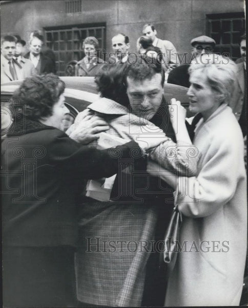 Press Photo John Edwin Dodd & wife,hes cleared of accesory murder charge - Historic Images