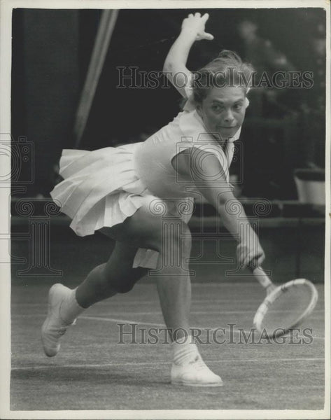 1959 Press Photo Miss E. Buding Miss M.E. Bueno Ladies' Singles at Wimbledon - Historic Images