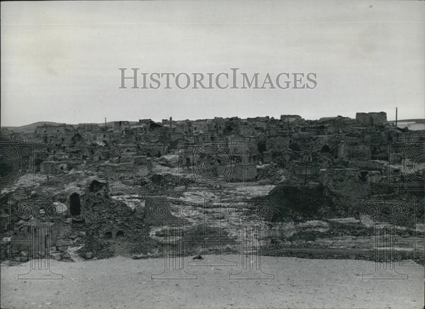 Press Photo Berber Houses built on the very edge of the mountain side at Nalut. - Historic Images