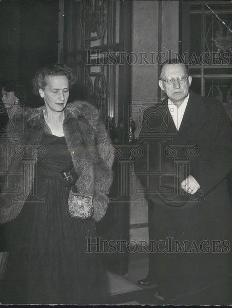 1952 Press Photo President de Gasperi and Wife Arrive at the Opera in Rome - Historic Images