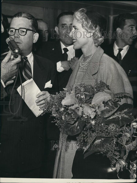 1953 Press Photo The Arrival of American Ambassador to Italy Clare Booth Luce - Historic Images
