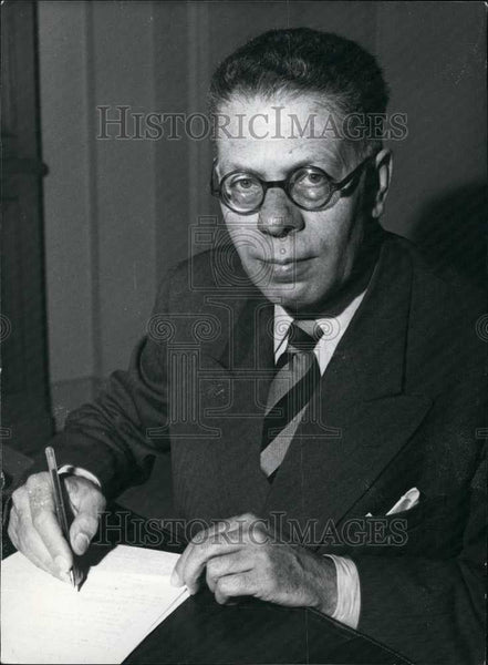 1957 Press Photo Emile Hugues Secretary of State for Economic Affairs France - Historic Images