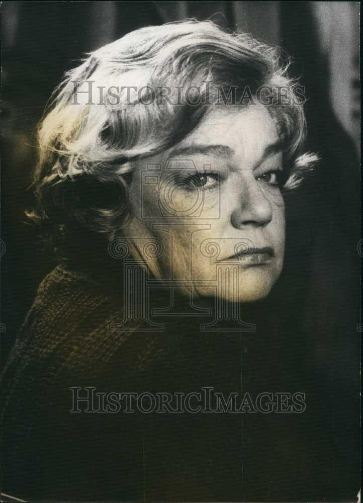 Press Photo French actress Simone Signoret for a role - Historic Images