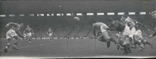 1953 Press Photo France versus Wales at rugby match - Historic Images