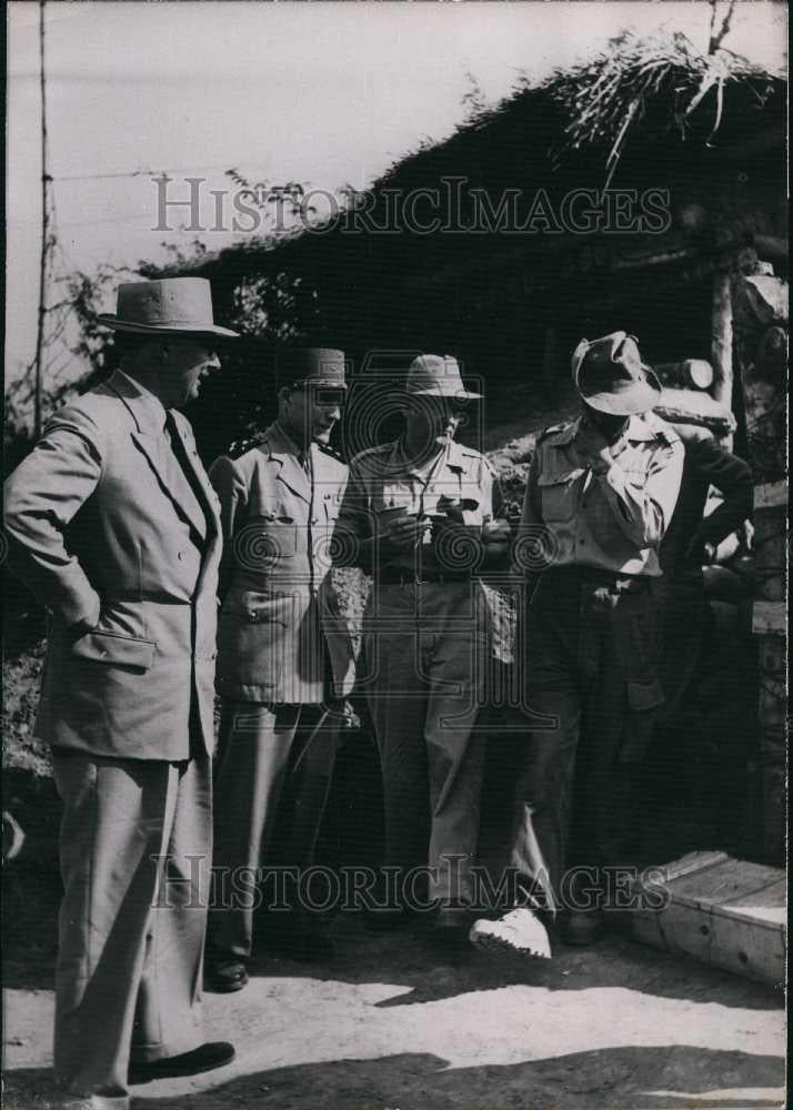 1954 Press Photo Mr Pleven of Laos & General Ely in Indochina - Historic Images