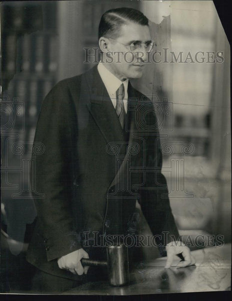 1930 Press Photo Attorney General Joseph E Warner With Mallet - RSL03313 - Historic Images