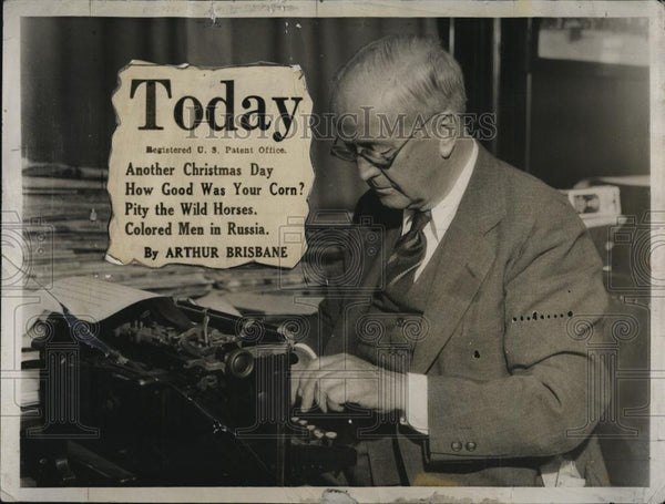1932 Press Photo Author & editor Arthur Brisbane at work - RSL89045 - Historic Images