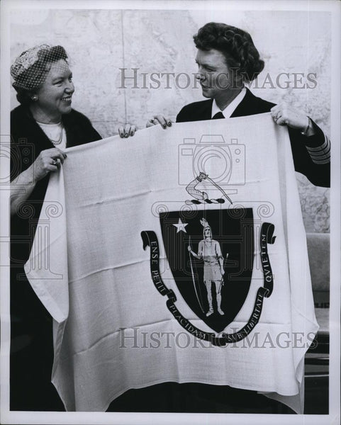 1932 Press Photo Captain Viola Sanders & Mrs George Dobranske Flag of Commonweal - Historic Images