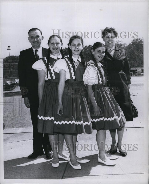 Press Photo Stevens Children Musicians Corales, Jacquelyn, Marsha Mr And Mrs - Historic Images