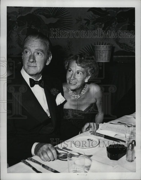 1950 Press Photo Actors Clifton Webb Mrs Zanuck At Party Following Premiere - Historic Images